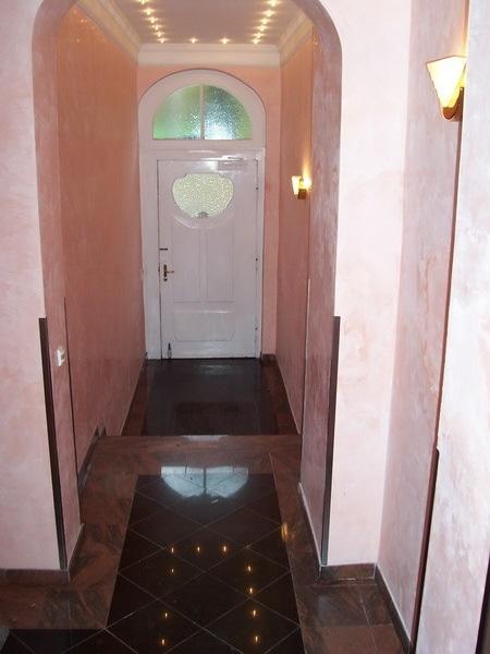 Treppenhaus /Eingangsbereich
