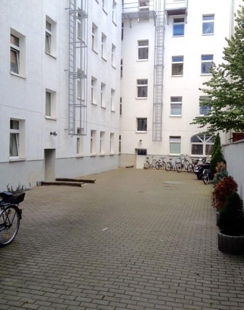 Eingang / Innenhof zum Gartenhaus