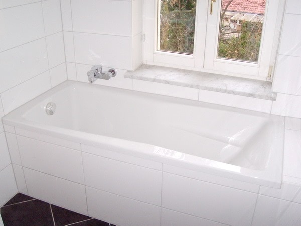 Bad mit Wanne u.Dusche .